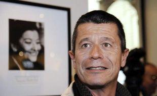 """Le prix Renaudot, autre prix littéraire prestigieux, a couronné Emmanuel Carrère pour son fascinant """"Limonov"""" (P.O.L), portrait du sulfureux Edouard Limonov, idole underground sous Brejnev, clochard à New York, écrivain branché à Paris et fondateur d'un parti ultranationaliste en Russie."""