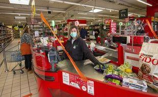 Les commerces de détail comme la vente à emporter sont concernés (illustration).