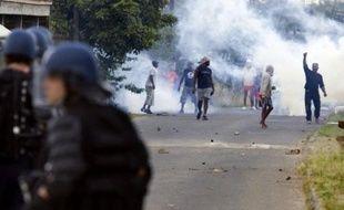 """Deux syndicats de police ont déploré mercredi un """"manque de moyens et d'effectifs"""" des forces de l'ordre aux Antilles, dont des membres ont été blessés ou victimes de violences ces dernières heures."""
