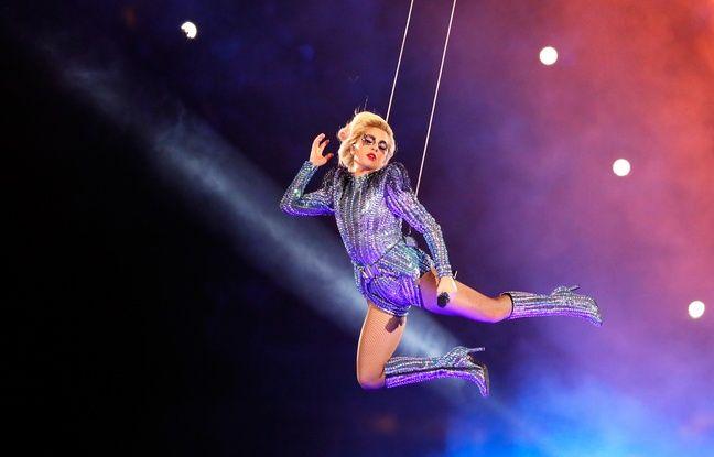 Lady Gaga a fait le show à la mi-temps de la 51e finale du Superbowl, le 5 février 2017, à Houston.