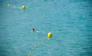 Marseille le 6 juillet 2011 - Illustration sur la baignade, les zones de sécurité et de surveillance des baigneurs