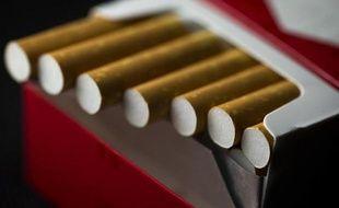 Un paquet de cigarettes. Illustration