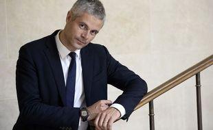 Laurent Wauquiez pose à l'Assemblée nationale le 17 juillet 2014.