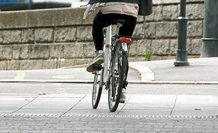 Certains aménagements permettent aux cyclistes de rouler en sécurité.