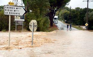 Au moins onze personnes ont été tuées dans la nuit de dimanche à lundi après de violents orages et de graves inondations dans l'Aude.
