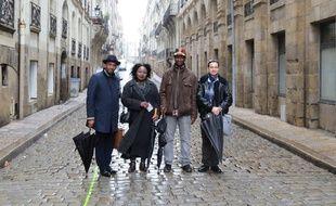 Les représentants des associations Mémoires & partages et Flam Afric, rue Kervégan à Nantes.