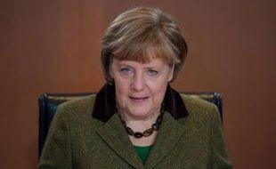 """La chancelière Angela Merkel a jugé mercredi """"normal"""" un cours de l'euro compris entre 1,30 et 1,40 dollar, lors d'un discours devant des économistes à Berlin."""