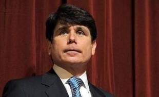 Le gouverneur de l'Etat de l'Illinois (nord des Etats-Unis), Rod Blagojevich, accusé d'avoir proposé le siège de sénateur de Barack Obama au plus offrant, a été destitué jeudi à l'unanimité par les sénateurs de l'Illinois.