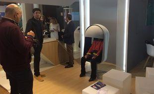 Le fauteuil développé par Codesna mesure le stress avec une tablette et un électrocardiogramme.