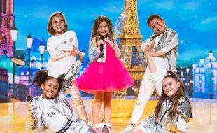 Valentina, entourée de ses danseurs, est la gagnante de l'Eurovision 2020.