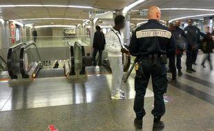 Fin de l'alerte au colis suspect à la gare Saint-Lazare à Paris, lundi 27 septembre 2010.
