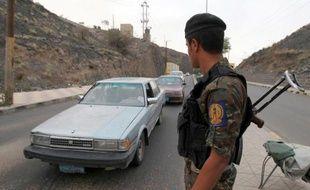 Un commando d'Al-Qaïda a lancé dimanche une attaque meurtrière contre l'armée au Yémen, la première depuis la vague de frappes de drones contre le groupe extrémiste, qui a fait une quarantaine morts en quinze jours