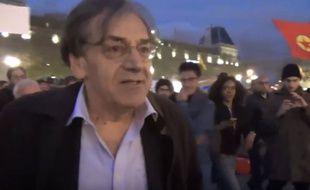 Alain Finkielkraut sur la place de la République, le 16 avril 2016.