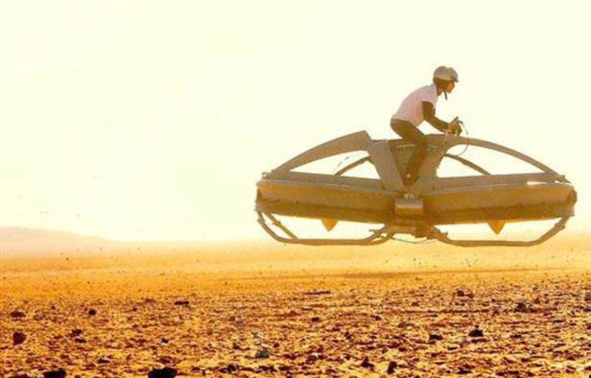 La «moto volante» des Californiens de Aerofex, en phase de test, en août 2012. – DR