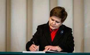 La nouvelle Première ministre polonaise, Beata Szydlo, le 16 novembre 2015, à l'ambassade de France à Varsovie
