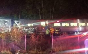 Photo publiée sur Twitter de l'accident de train survenu à l'est de New York le 8 octobre 2016...