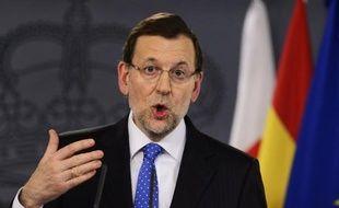 """Il """"est probable"""" que l'Espagne doive décider de nouvelles coupes budgétaires même si elles devraient être moindres que celles de 2012, a annoncé mardi le chef du gouvernement Mariano Rajoy, qui n'a pas écarté non plus de nouvelles hausses d'impôts."""