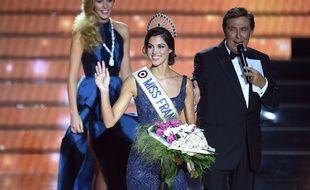 Miss Nord Pas de Calais, Iris Mittenaere elue Miss France 2016 lors de la ceremonie d'election au Zenith de Lille, FRANCE - 19/12/2015 /NIVIERE_0013NIV/Credit:NIVIERE/SIPA/1512200540