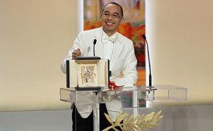 Le cinéaste thaïlandais Apichatpong Weerasethakul a reçu la palme d'or pour son film «Mon oncle Boonmee» lors du 63e festival de Cannes, le 23 mai 2010.