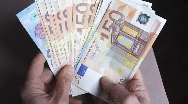 Agen: Il trouve 570 euros en liquide dans la rue et les apporte à la police