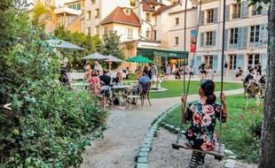 Vue sur le jardin Renoir l'été
