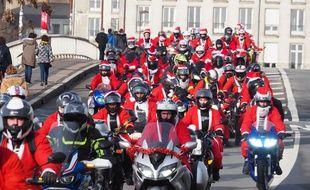 Des centaines de Pères Noël dans les rues de Nantes, le 15 décembre 2019