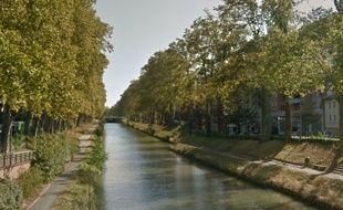 Le canal du Midi, à Toulouse, au niveau du boulevard de l'Embouchure. Illustration.