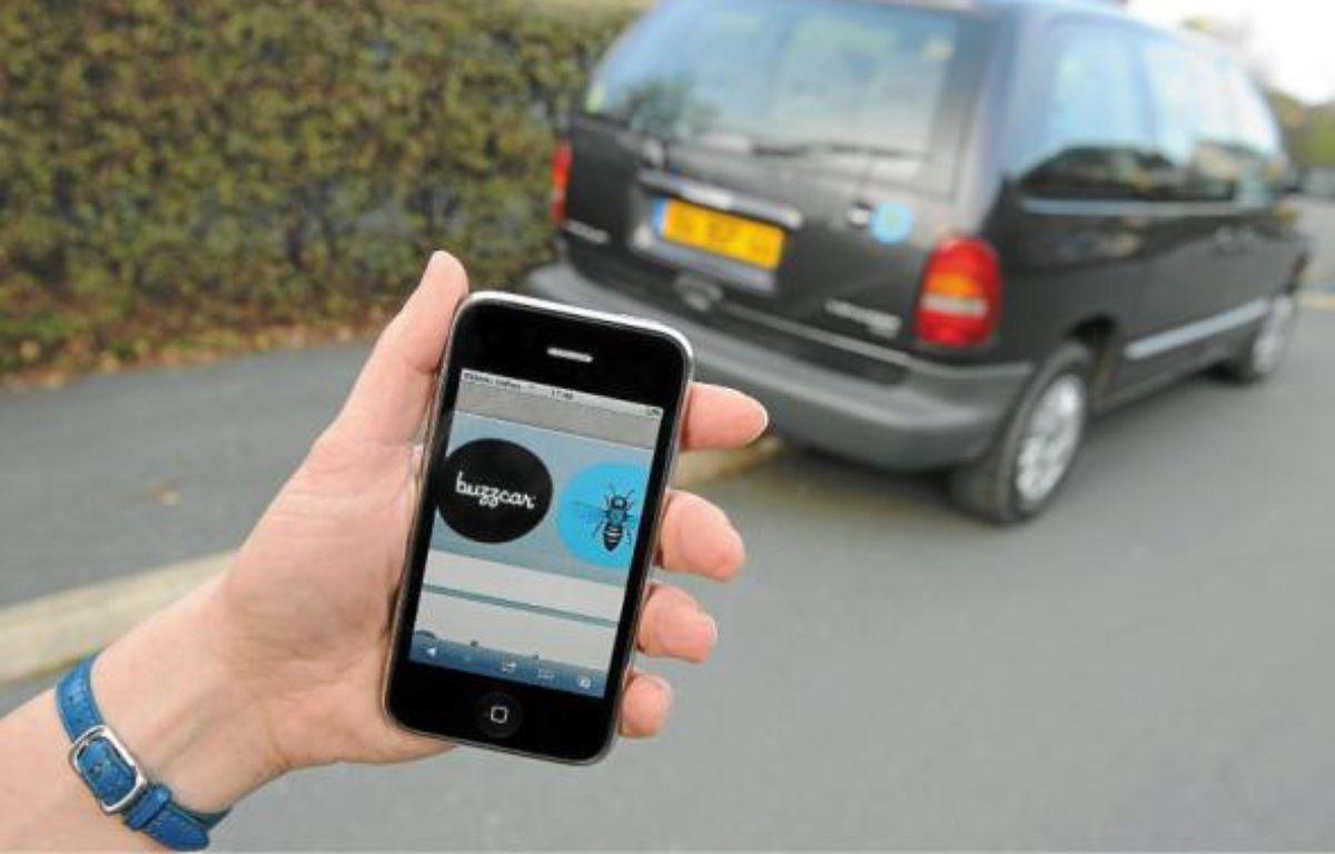 BuzzCar, l'un des sites qui permet de louer sa voiture, est accessible aussi bien avec un smartphone que sur Internet. –  F. Elsner / 20 Minutes
