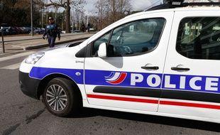 Police à Lyon, - F. Elsner/ SIPA