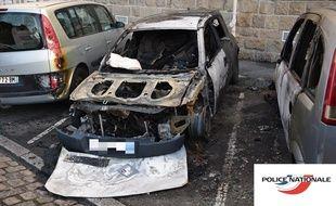 Véhicules incendiés le 26 novembre 2017 à Nantes.