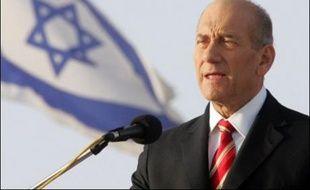 La commission d'enquête gouvernementale israélienne publie lundi son rapport intérimaire sur les ratés de la guerre au Liban, dont les conclusions distillées par les médias sont très sévères pour le Premier ministre israélien, Ehud Olmert.