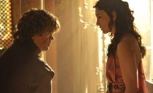 Les personnages Tyrion Lannister et Shae dans