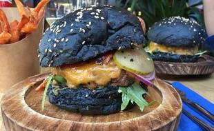 Le burger Black OG du restaurant Goku