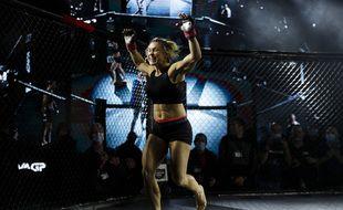 La Rennaise Laëtitia Blot était à l'affiche du premier tournoi de MMA organisé en France jeudi soir à Vitry-sur-Seine.