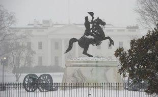 La maison blanche sous la neige le 3 mars 2014 à Washington