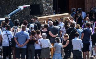 Les funérailles de Philippe Monguillot, le chauffeur de bus mort après avoir été agressé par des passagers à Bayonne.