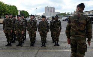 Les recrues du Service militaire volontaire lors d'un exercice le 27 avril 2016 à Montigny-lès-Metz
