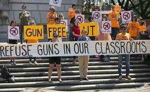 Des étudiants de l'université du Texas, à Austin, opposés à la légalisation du port d'arme en classe.