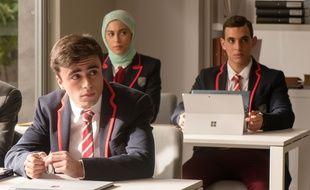 Itzan Escamilla, Mina El Hammani, Miguel Herran dans «Elite».