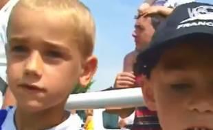 A gauche, Antoine Griezmann, 7 ans