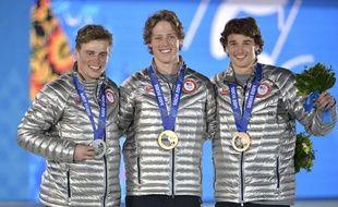 Le skieur américain Gus Kenworthy (à gauche), médaillée d'argent en ski slopestyle.