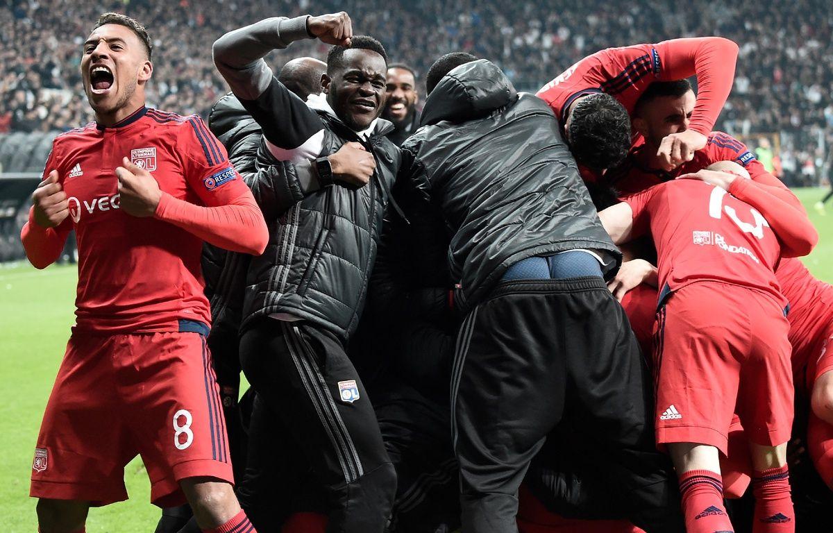 Après la séance de penaltys, les Lyonnais peuvent laisser éclater leur joie, ils viennent d'en prendre plein les oreilles pendant plus de 120 minutes. – Ozan Koze / AFP.