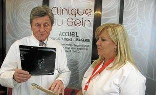 Le gynécologue Bernard Flipo milite pour une prise en charge rapide des patientes.