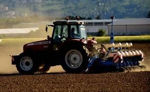 Photo d'illustration d'un tracteur, ici en Isère en mai.