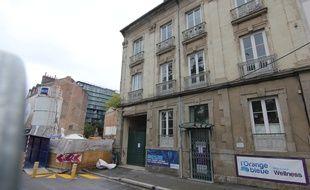 Un immeuble bordant le canal Ille-et-Rance a été évacué par la ville de Rennes. Il présente des fissures importantes.
