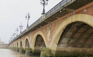 Le 1 fevrier 2015, le pont de Pierre ‡ Bordeaux