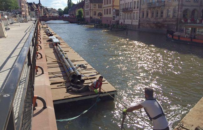 Les pontons flottants quai des Bateliers. Strasbourg le 19 juin 2018.