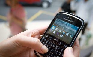 Utiliser son téléphone dans un autre pays de l'Union européenne ne sera désormais plus surtaxé.