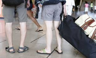 Photo d'illustration de vacanciers à l'aéroport d'Orly.