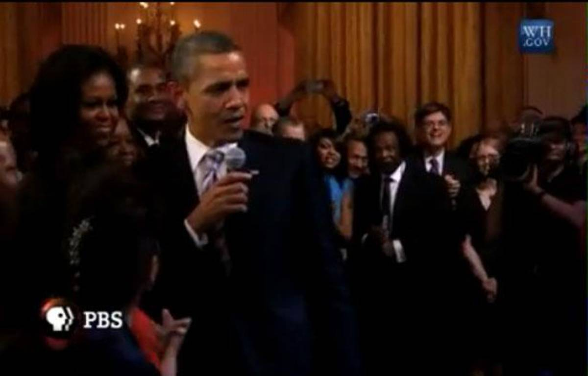 Le président Barack Obama chante «Sweet home Chicago», le 21 février – Capture Youtube